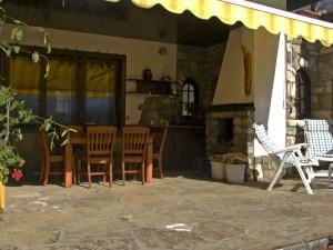 09-house-terrace