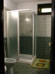 17-house-bathroom2